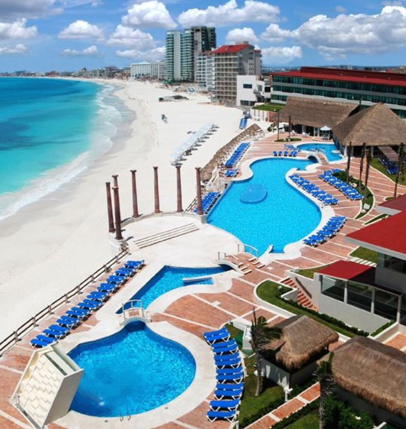 cancun beach hotels to reopen