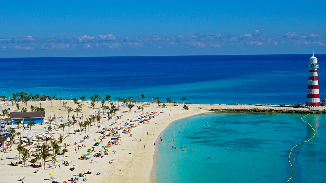 Bahamas to close borders for USA travelers