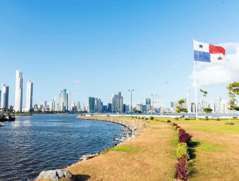 panama opens borders