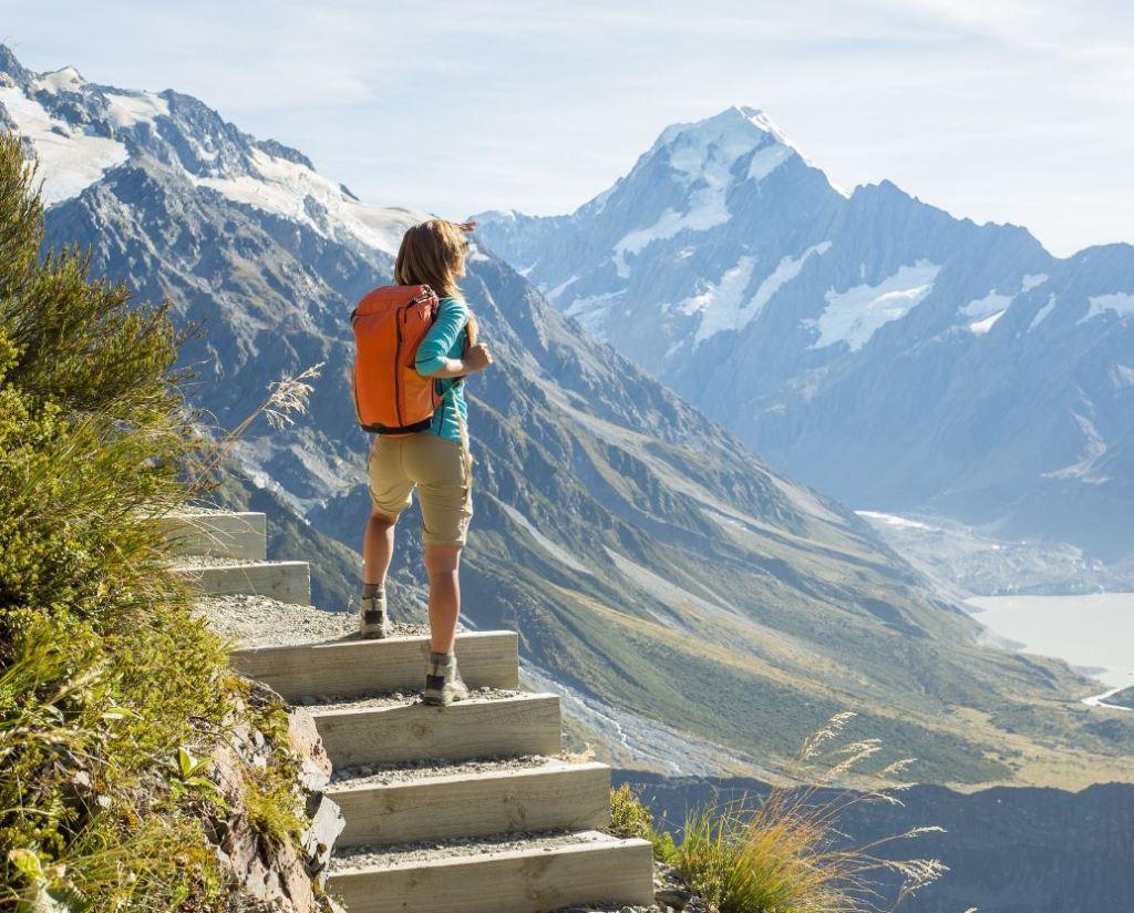 new zealand hiking