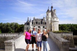 Loire-Valley-Chenonceau-group