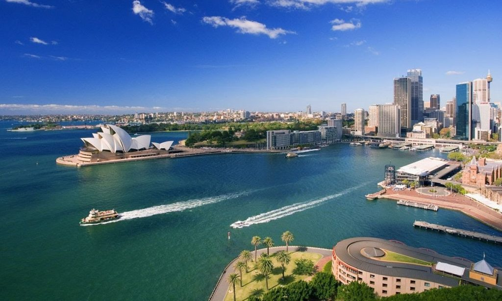 australia best place to travel alone - best solo destination