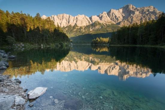 Das Wettersteingebirge als Spiegelbild