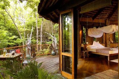 Queensland Islands Eco Resorts