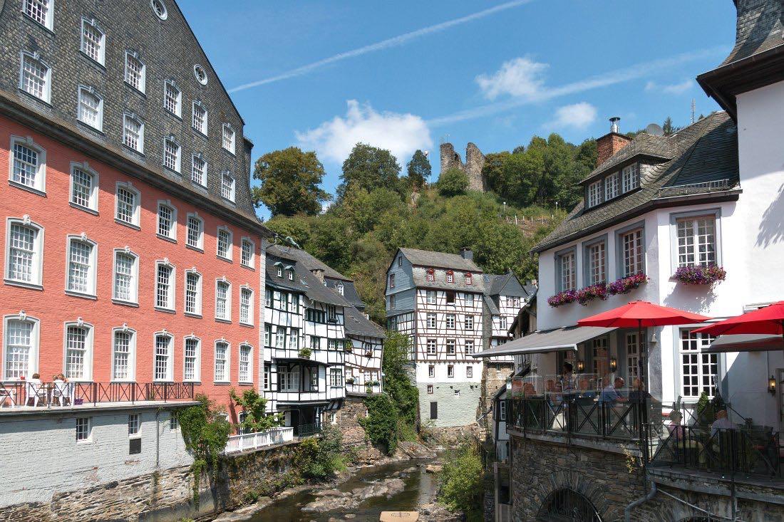 Rood huis in Monschau