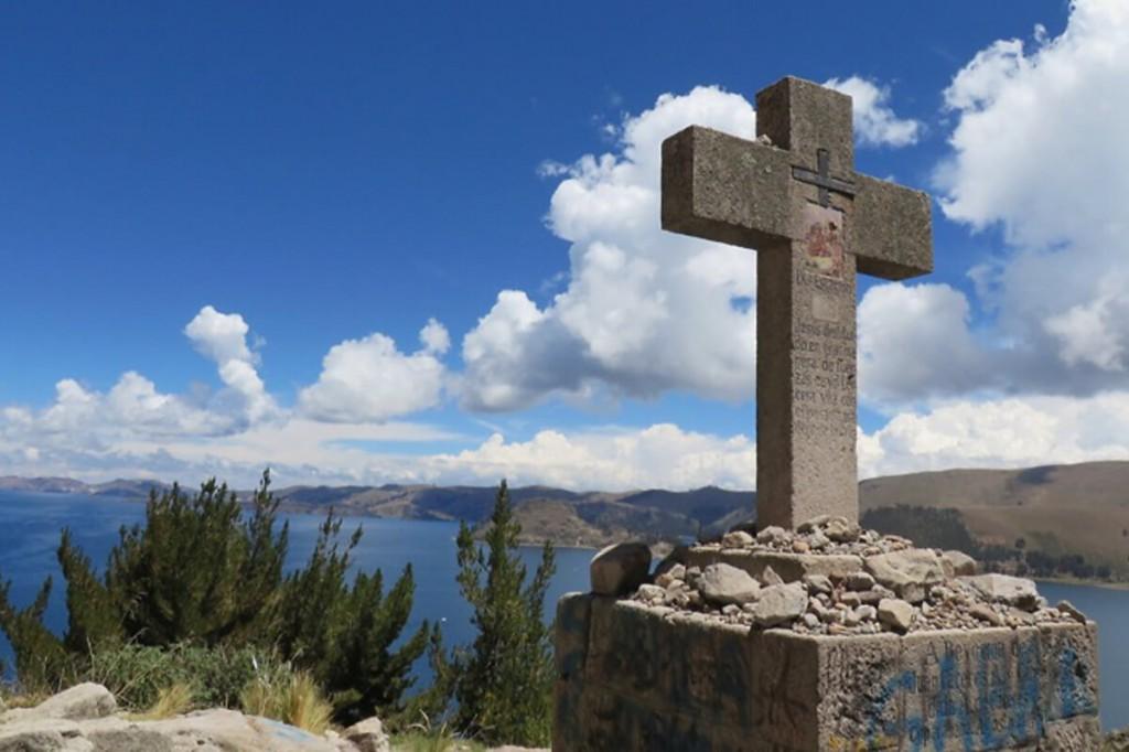 Blick auf den Titicacasee bei Copacabana in Bolivien