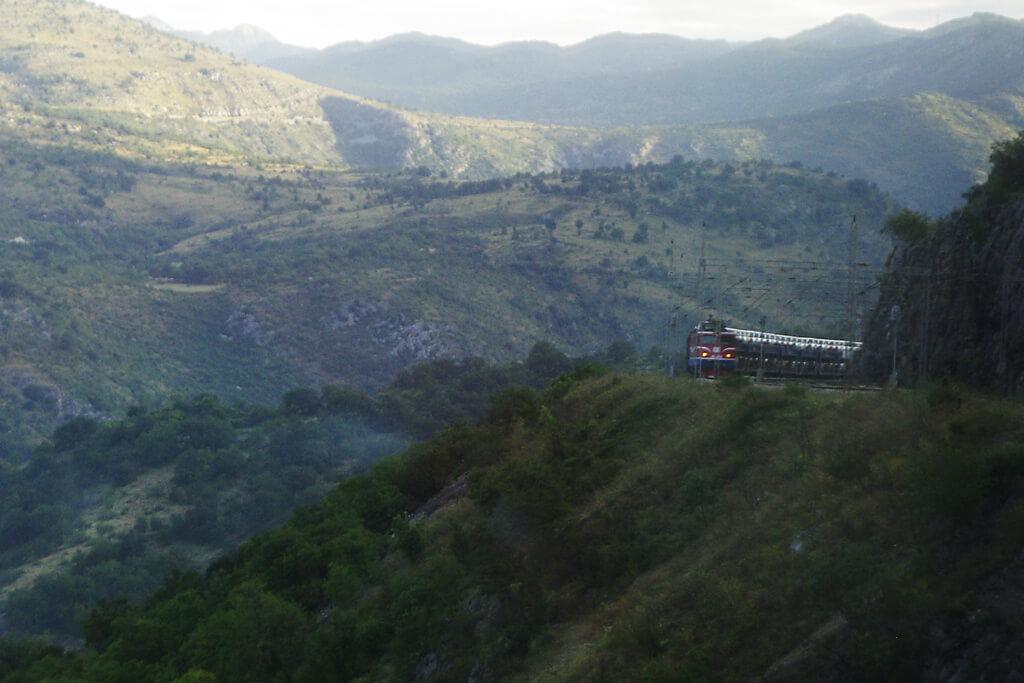Montenegro Eisenbahn: Mit Titos Gebirgsbahn von Sagreb bis ans Meer