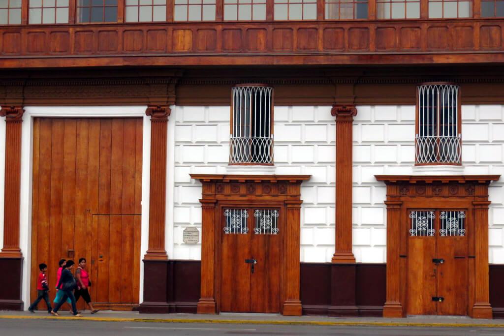 Koloniale Häuser im Zentrum von Trujillo