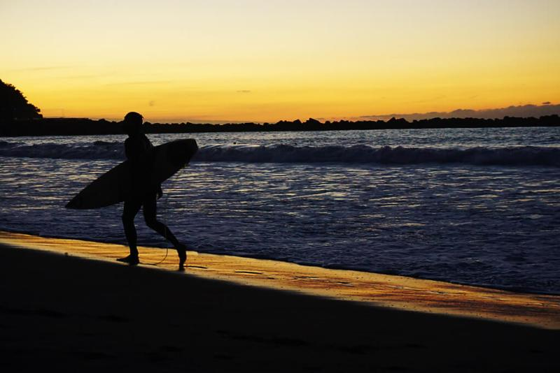 Surfer am Strand von San Sebastian