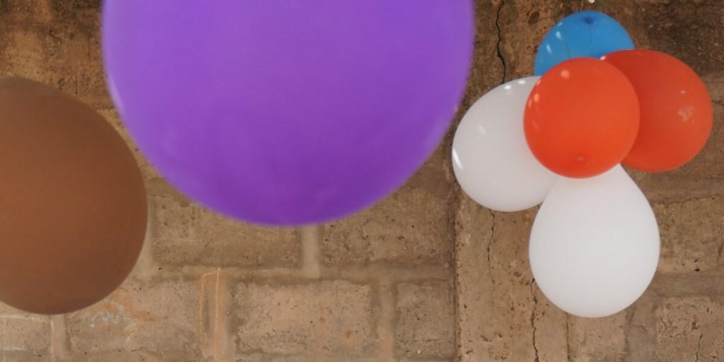 Luftballons zum Weihnachtsfest