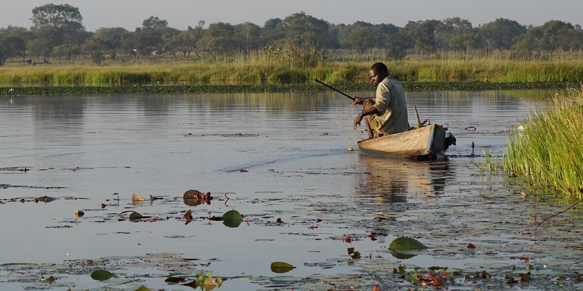 Fischen im Lac Tengrela in Burkina Faso