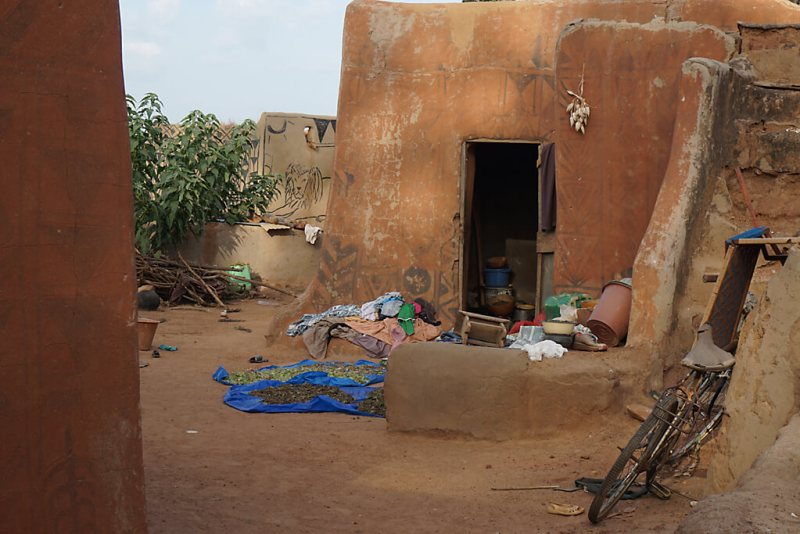 Leben der Kasena im Court Royal in Tiebele in Burkina Faso