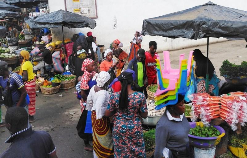 Strassenverkauf in der Elfenbeinküste
