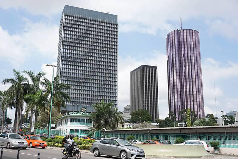 Business District von Abidjan in der Elfenbeinküste