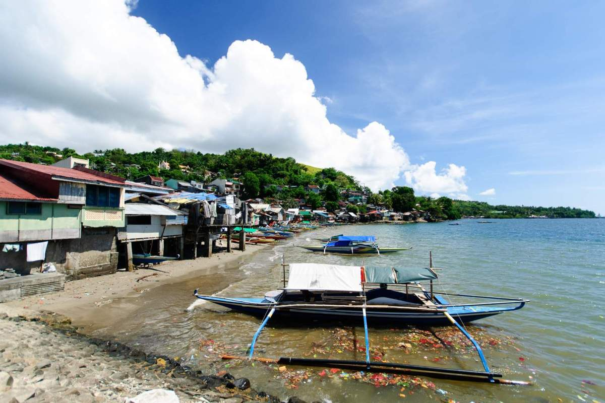 Houses by Barangay Daungan port