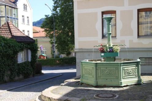 Trinkwasser direkt aus dem Brunnen der Bregenzer Altstadt