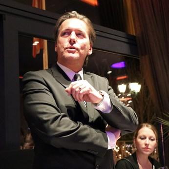 Casinodirektor Paul Vogel bei der Begrüßung