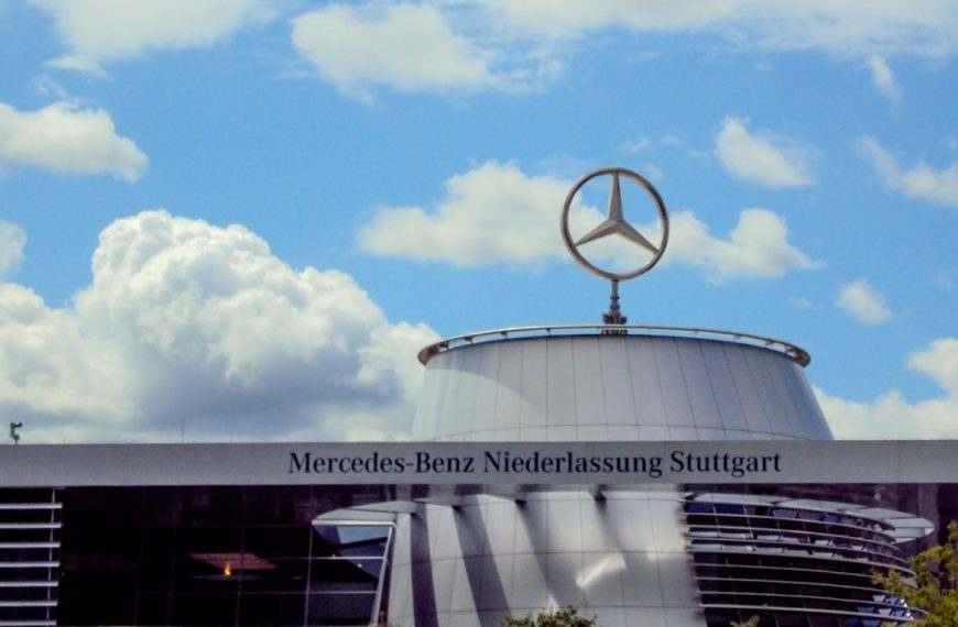 """The Best or Nothing"" – The Mercedes-Benz Museum in Stuttgart, Germany!"