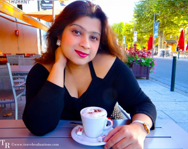 Travel Realizations, A coffee cup and a story in Thonon-les-Bains - a small French town.
