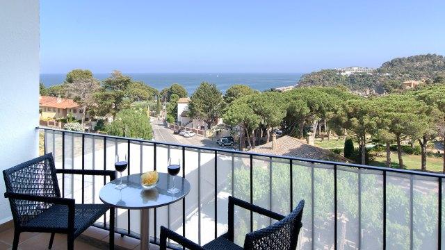 Hotel-Eetu-Terraza-Habitacion