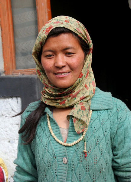 ladakh woman markha valley trek hike on a budget india