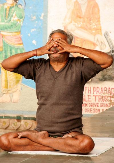 yoga india amazing things to do in varanasi