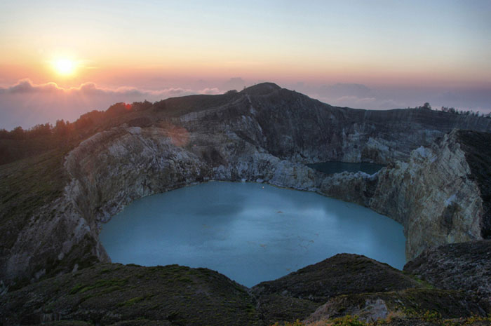 gunung kelimutu cool things to do in flores indonesia