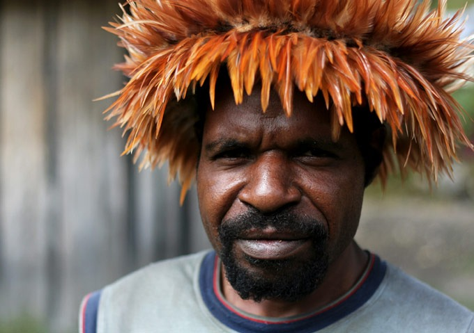 man people papua yogoshine Hiking the Baliem Valley on a budget