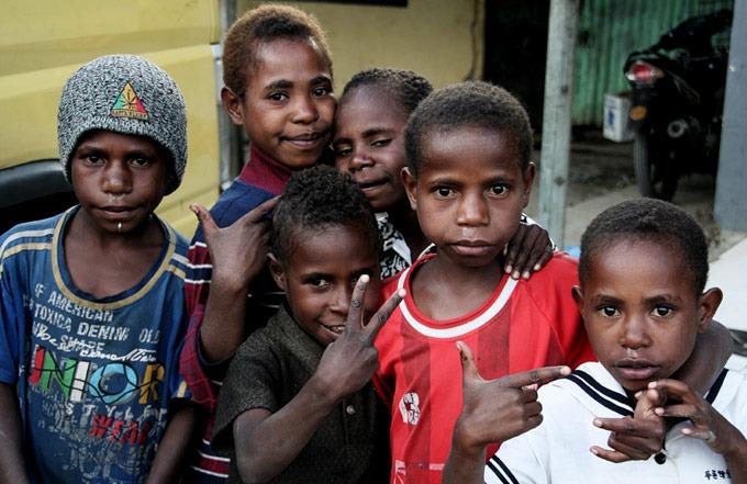 niños wamena papua Valle de Baliem