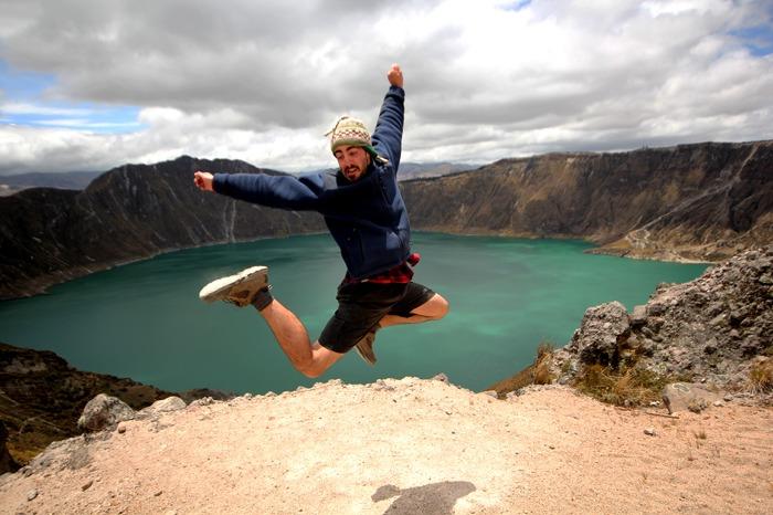 hiking the quilotoa loop lake
