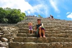 Auf die Pyramide klettern in Cobá