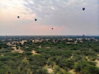 Bagan Ballon Pagoden Sonnenaufgang Drohne Foto