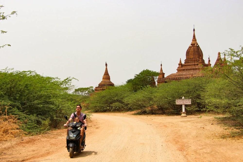 Bagan mit E-Bike auf eigene Faust erkunden