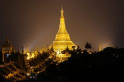Nacht Aussicht Shwedagon Pagode