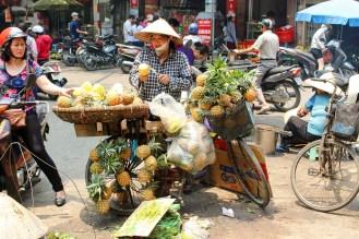 Ananas Verkäufer Hanoi