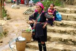 Black Hmong Frau in Cat Cat Village