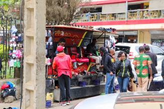 Schuhe putzen Kenia