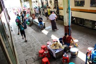 Zughaltestelle Myanmar