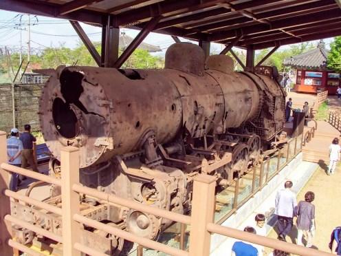 Zerstörter Dampfzug aus dem Koreakrieg Imjingak Park