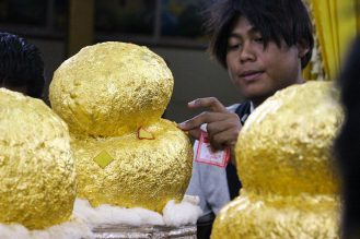 Buddhas in der Phaung Daw Oo Pagode