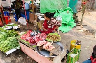 Fleischstand auf dem Markt in Taunggyi