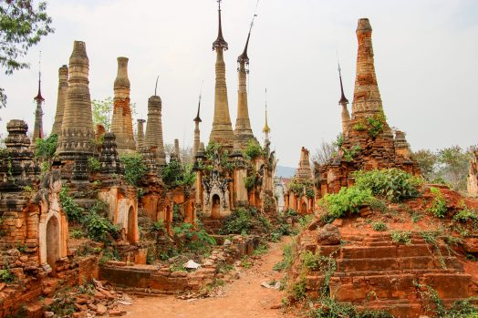 Shwe Indein Pagoden am Inle-See