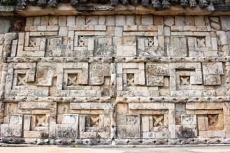 Stufenmäander auf der Hauptpyramide in Uxmal