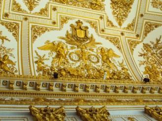 Goldener Stucco im Palast von Caserta