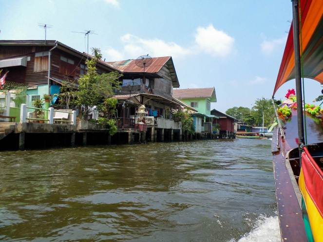 Bootsfahrt im Kanal von Bangkok