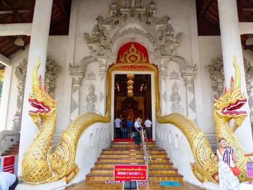 Eingang Intakhin Pillar Vihara
