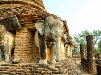 Elefanten von Wat Chang Lom