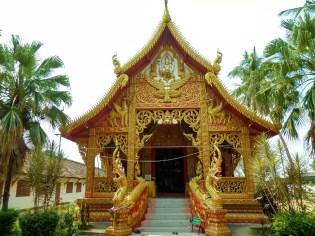 Kleiner Tempel neben dem Wat Phra That Lampang Luang