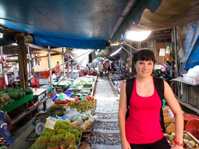 Auf dem Maeklong Railway Market
