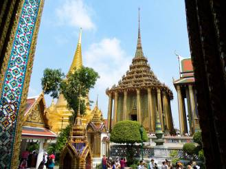 Phra Si Rattana Chedi Grand Palace in Bangkok